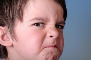 bambino-arrabbiato-