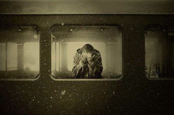 Quando perdiamo una persona cara: come reagire per elaborare il lutto?